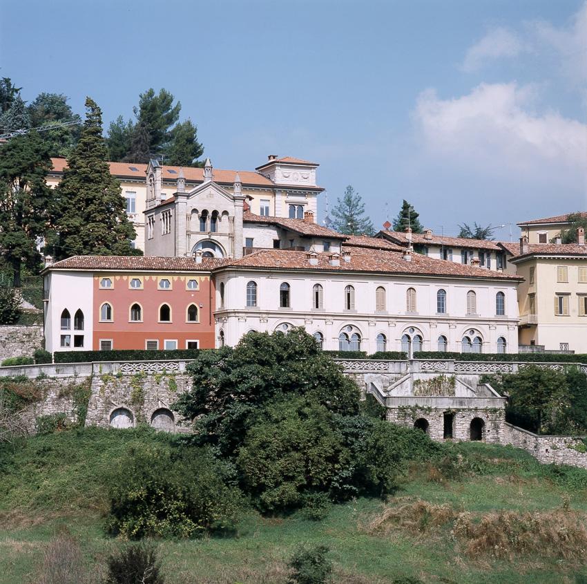 Palazzo roncalli citt alta for Disegni di casa alta